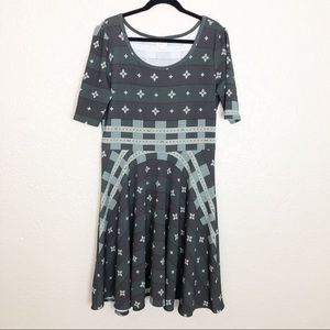 EUC Lularoe Nicole fit & flare short sleeve dress